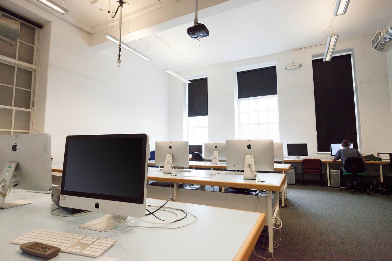 7 raisons d'externaliser la maintenance informatique pour une PME